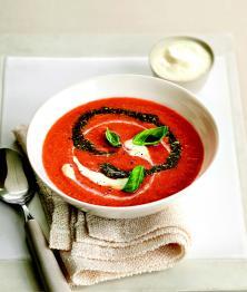 Velouté de tomates au pesto