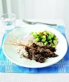 Bœuf au sésame et salade de concombre