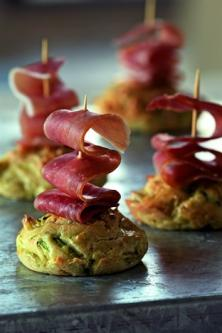 recette minicakes la courgette et jambon cru larousse cuisine. Black Bedroom Furniture Sets. Home Design Ideas