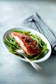 Pavés de saumon poêlés aux graines de sésame
