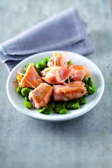 Bouchées d'espadon au saumon fumé et fèves au basilic