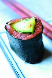 Makis de saumon fumé et algue nori