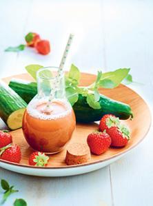 Cocktail de fraises, concombre et basilic