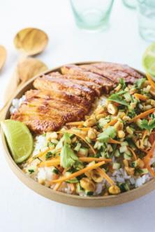 Porc laqué et crudités sauce thaie