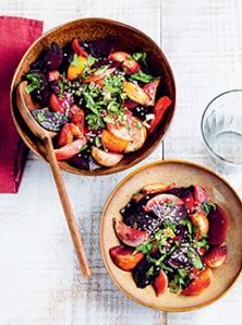 Salade de navets et de betteraves de toutes les couleurs