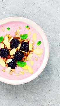 Smoothie bowl mûres et quinoa