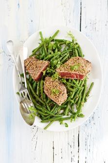 Thon mi-cuit au sésame et aux haricots verts
