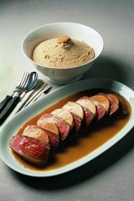 Filet de bœuf rôti au foie gras