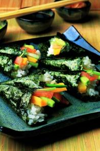 Sushis en cornets au saumon fumé