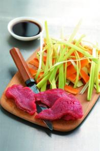 Wok de bœuf aux tagliatelles de légumes