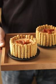 Mini-charlottes de gressins à la tomate confite