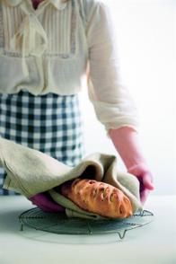 Le pain aux noisettes et au beurre