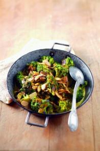 Curry de brocolis et amandes grillées à l'indienne
