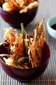 Tempura de crabe et de légumes