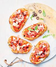 Bruschetta au jambon et aux tomates