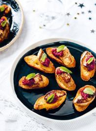 Toasts de foie gras poêlé à la betterave