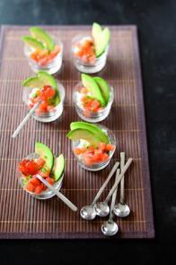 Verrines de saumon à l'avocat façon sushi