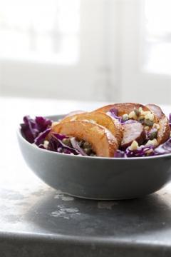 Salade de chou rouge au potimaron et aux graines de courge