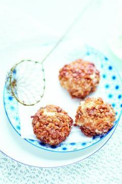 Croquettes de crabe, chapelure aux céréales