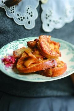 Pain de figues perdu aux pommes et au foie gras