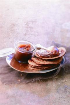 Pancakes à la farine de châtaigne et au sésame