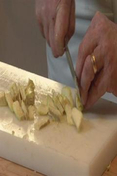 Comment cuire à cru un fond d'artichaut ?