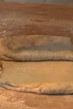 Comment tourer la pâte feuilletée ?