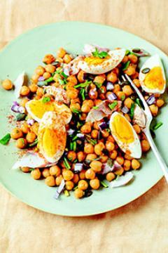 Salade de pois chiches, œufs et maquereau