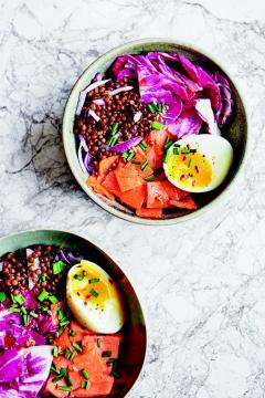 Buddha bowl de lentilles au saumon