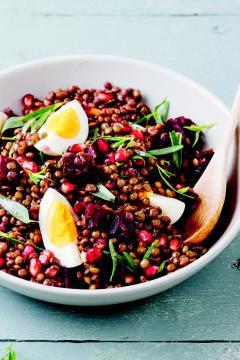 Salade de lentilles, betterave et œufs