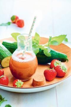 Jus de fraises concombre et basilic