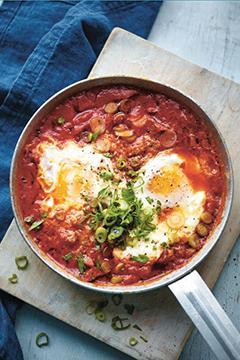 �ufs à la tomate et au chorizo