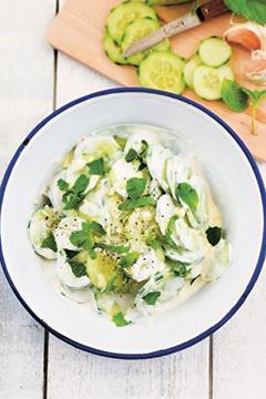 Salade de concombre au yaourt et à la menthe