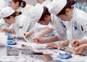 Tendances Culinaires et Gourmandes : Quelles recettes sont à la mode ?